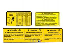 Kit Emblema Informativo (Atenção com Baterias) Traseiro da Cabine do Cargo Lado Esquerdo 3 Peças