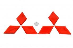Emblema Resinado Logo Mitsubishi (Vermelho) Grade + Tampa Traseira da Triton Savana 14/... (Par)
